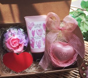 Mothers day gift pack 1